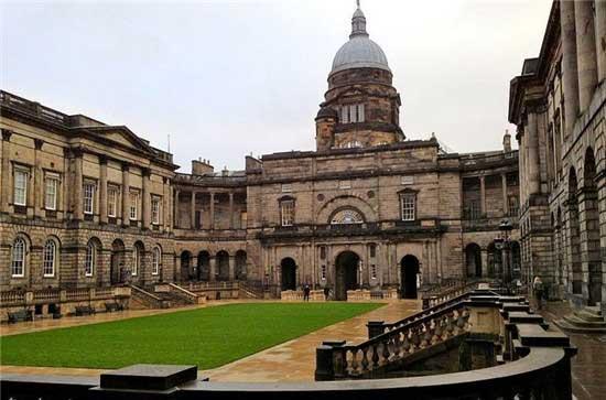 2015年英国大学假期是怎么安排的?2015年英国留学假期详解